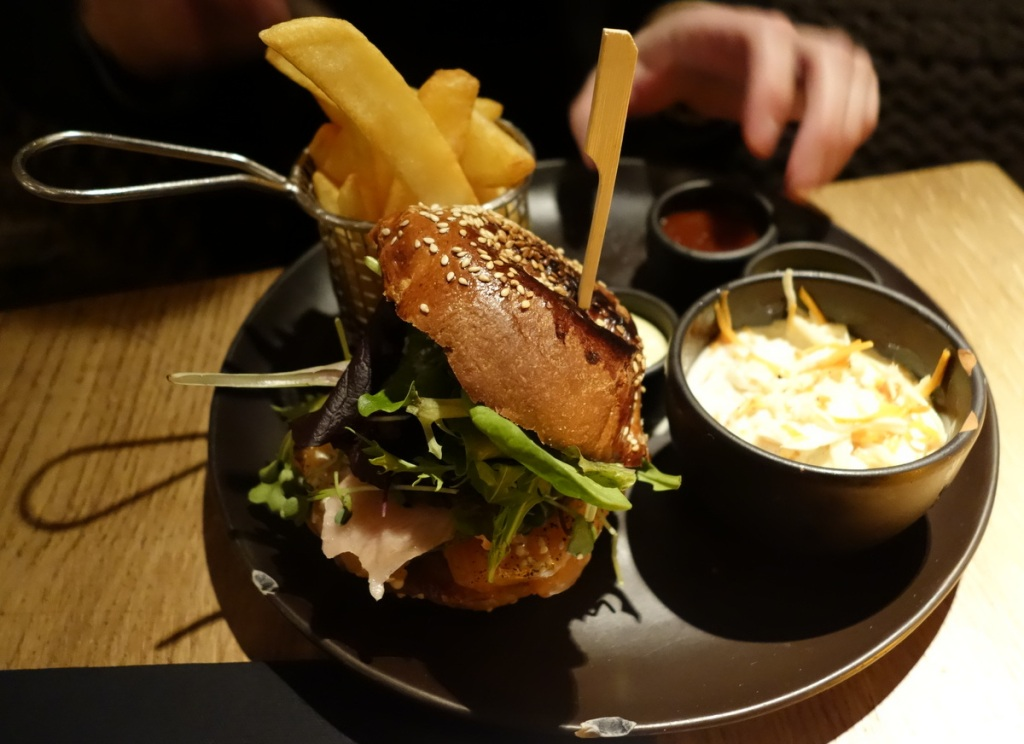 Sashimi burger