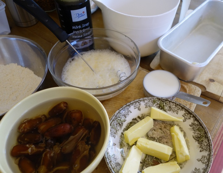 Sticky toffee pudding ingredients
