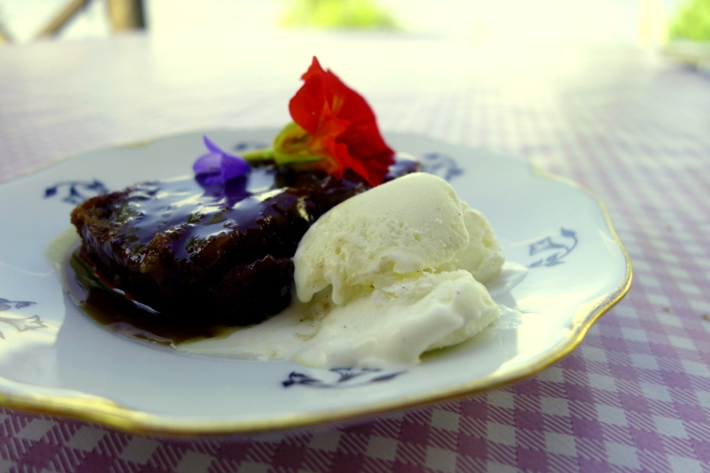 Sticky toffee pudding